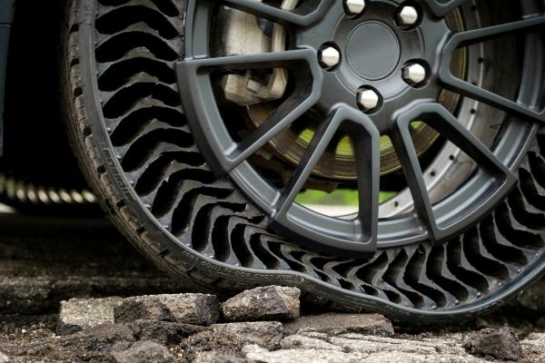 Michelin muốn sử dụng nhựa tái chế để sản xuất lốp xe