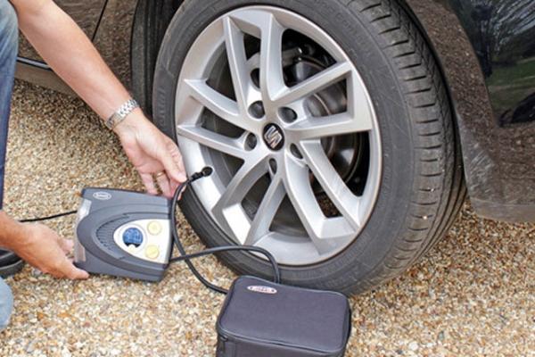 Điều gì xảy ra nếu bạn sửa dụng bơm ô tô mini không đúng cach